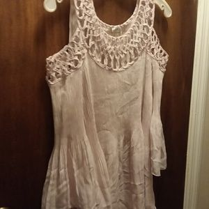 SPENSE! BEAUTIFUL PALE PINK COLD SHOULDER TOP!